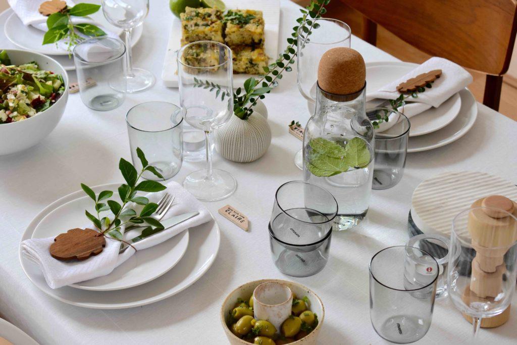 Summer Dinner table setting