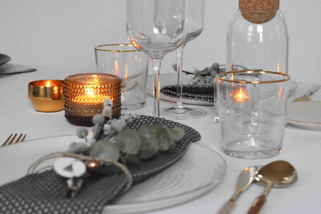 Gold Christmas table setting idea