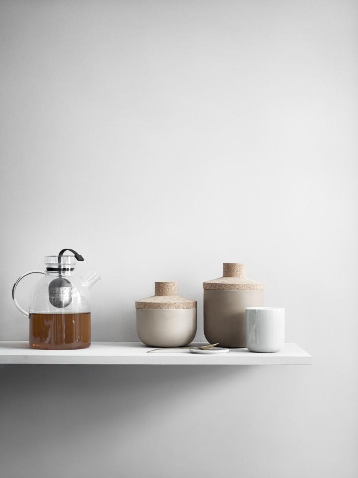Minimal kitchen accessories