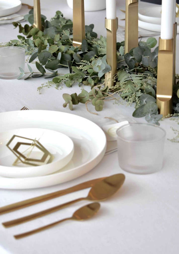 White Christmas Table styling